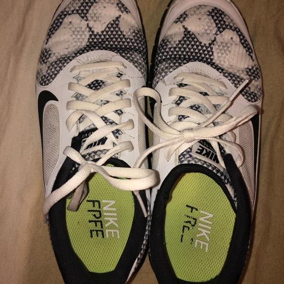 Nike Shoes - Nike running shoe